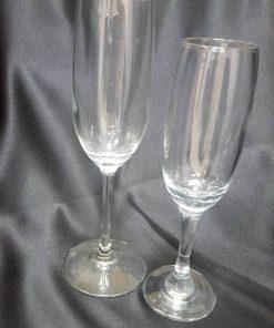 כוס שמפנייה גדול וקטן