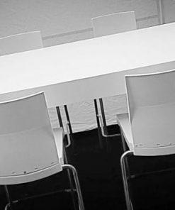 שולחן אבירים לבן