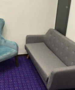 פינת ישיבה ספה כפתורים אפור + כורסא חרדל או טורקיז
